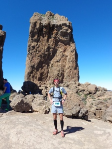Ascenso al Roque Nublo con una muy buena solana