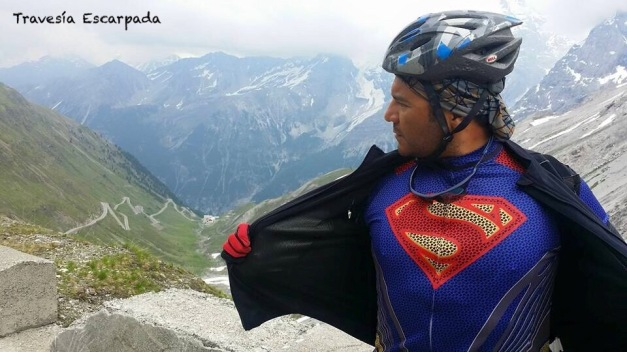 109 - Supermán en el Passo Stelvio, con algo de Kriptonita